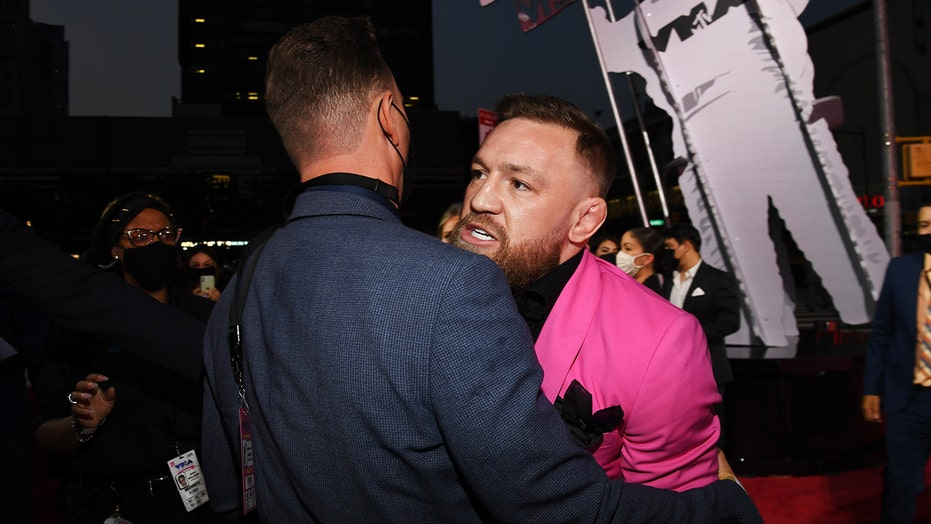 Conor McGregor brushes off Machine Gun Kelly incident: 'I certainly don't fight little vanilla boy rappers'
