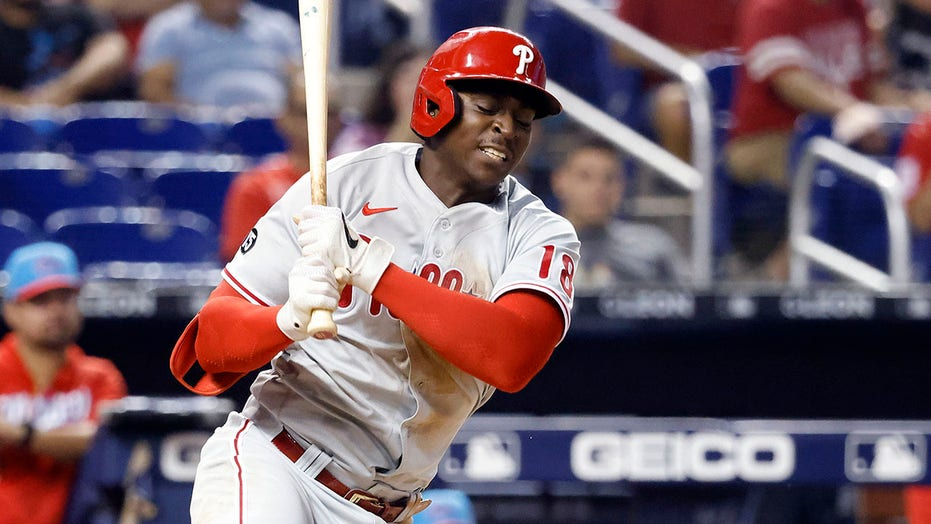 Phillies' Didi Gregorius links COVID vaccine side effect to down year