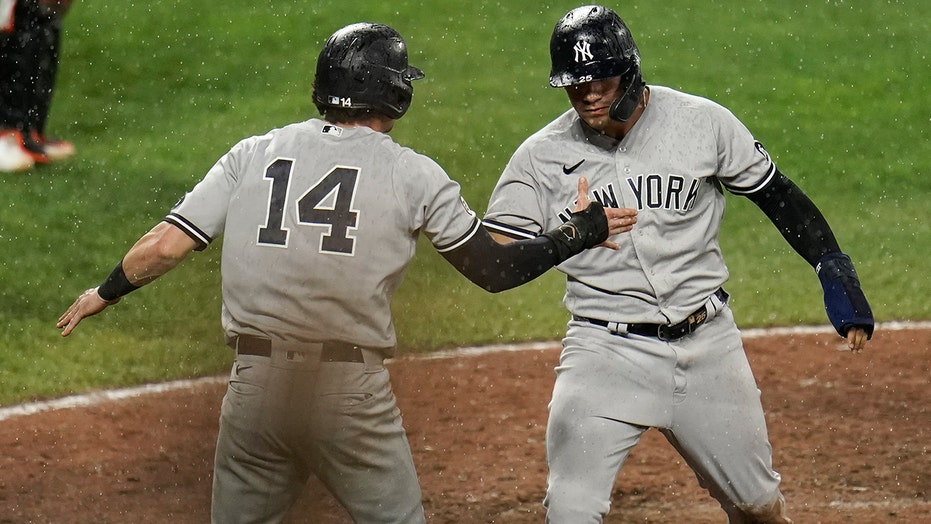 Gardner's 2-run single in 9th lifts Yankees over Orioles 4-3