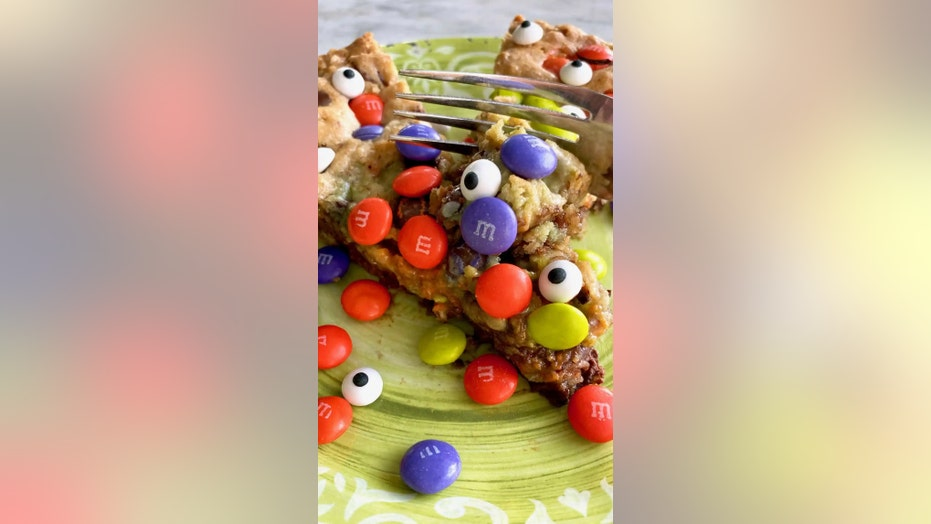 Goblin skillet cookie is a 'yummy mess' for Halloween: Try the recipe