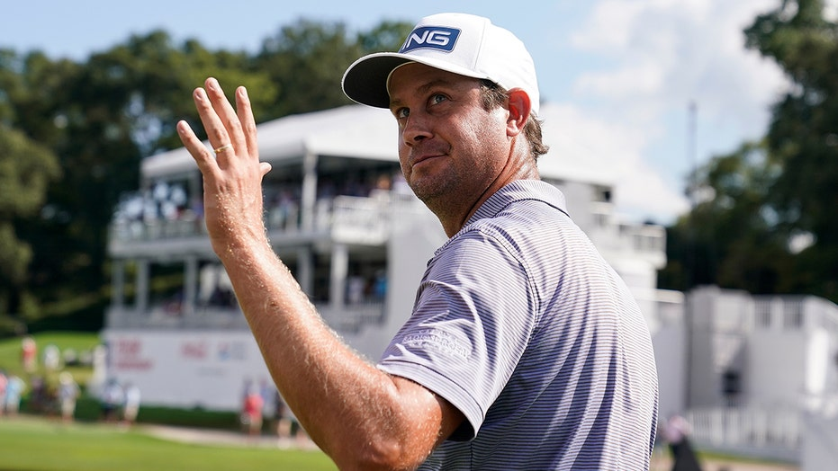 Harris English hits hole-in-one at the Tour Championship