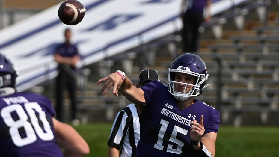 Hull rushed for 126, Northwestern beats Indiana State 24-6