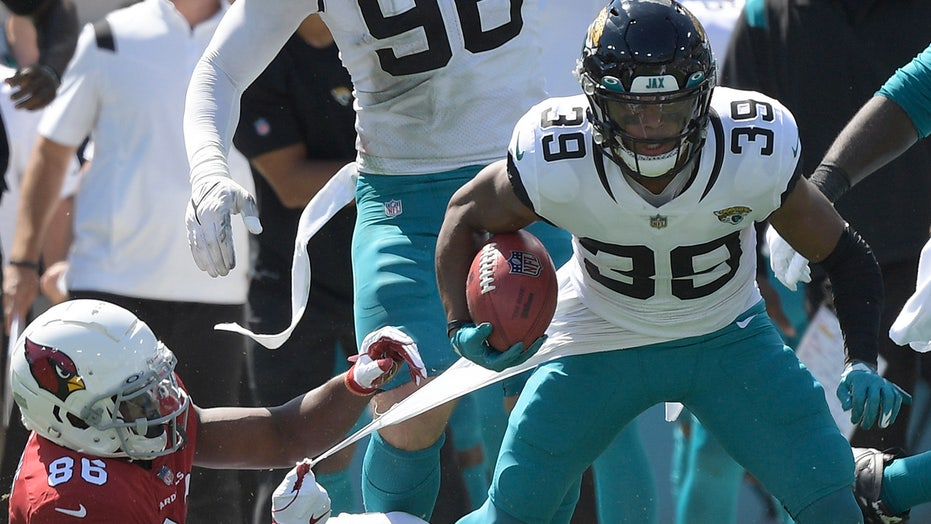 Jaguars' Jamal Agnew returns Cardinals missed field goal 109 yards for electric touchdown before halftime