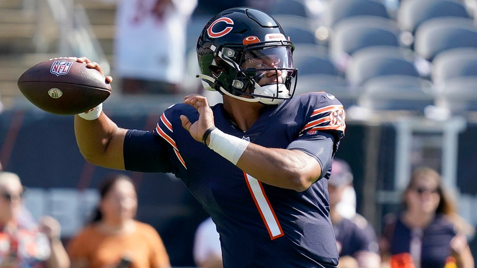 Justin Fields 'probably further along than we thought,' Bears coach Matt Nagy says