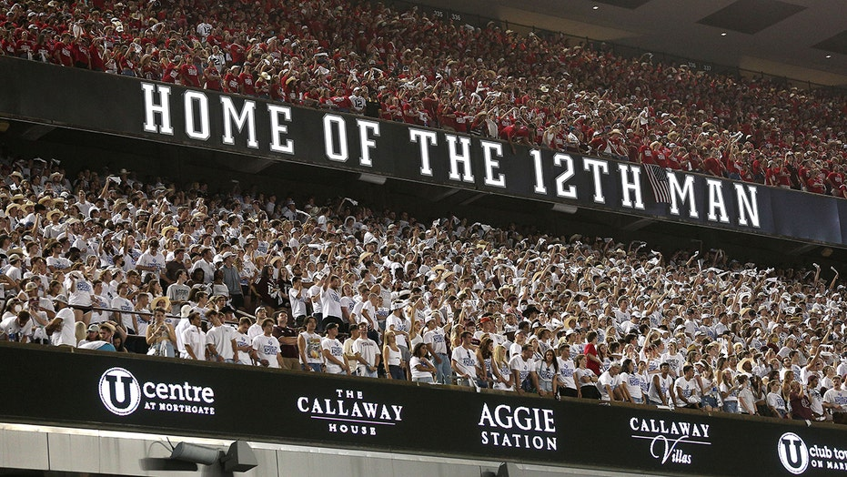 Texas A&M fans recreate 9/11 tribute at Kyle Field