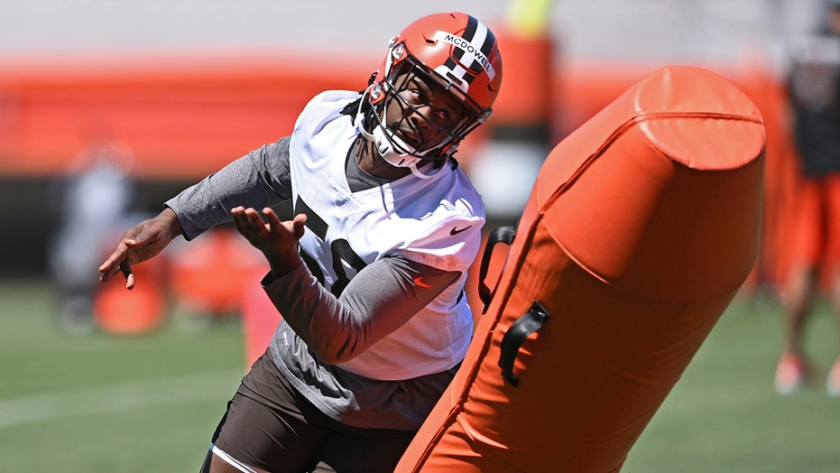 McDowell overcomes trouble, jail stay; wins spot with Browns