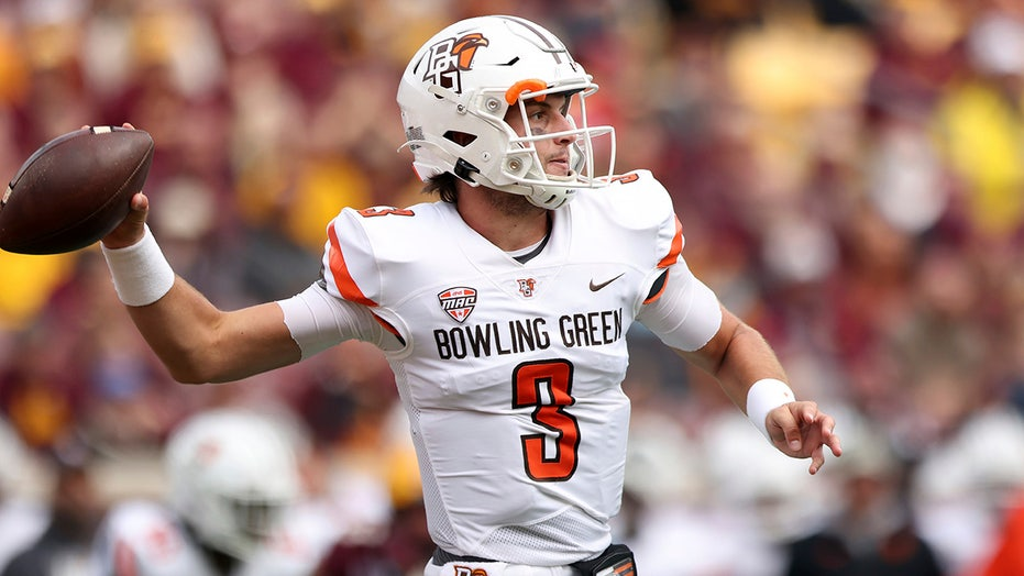 Bowling Green picks up 1st win over FBS opponent since 2019 in Minnesota upset