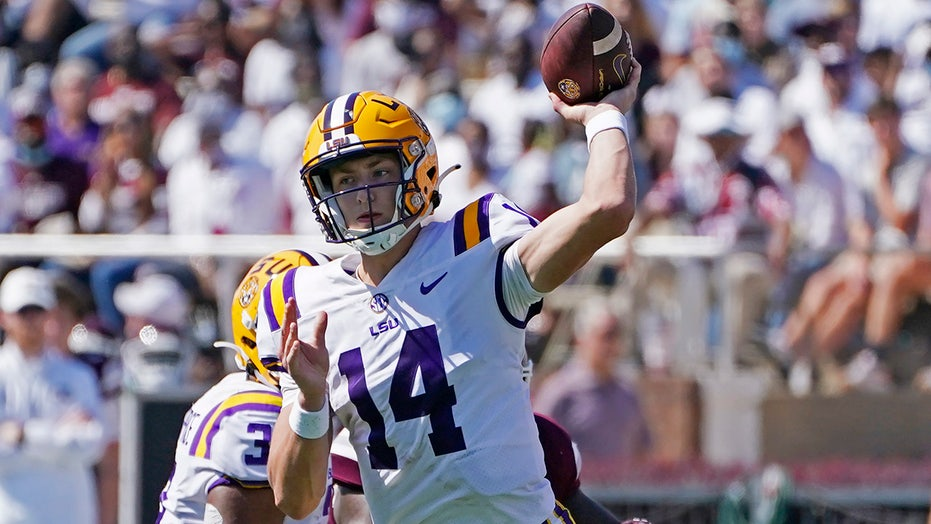 Johnson has 4 TD passes, LSU outlasts Mississippi St. 38-25