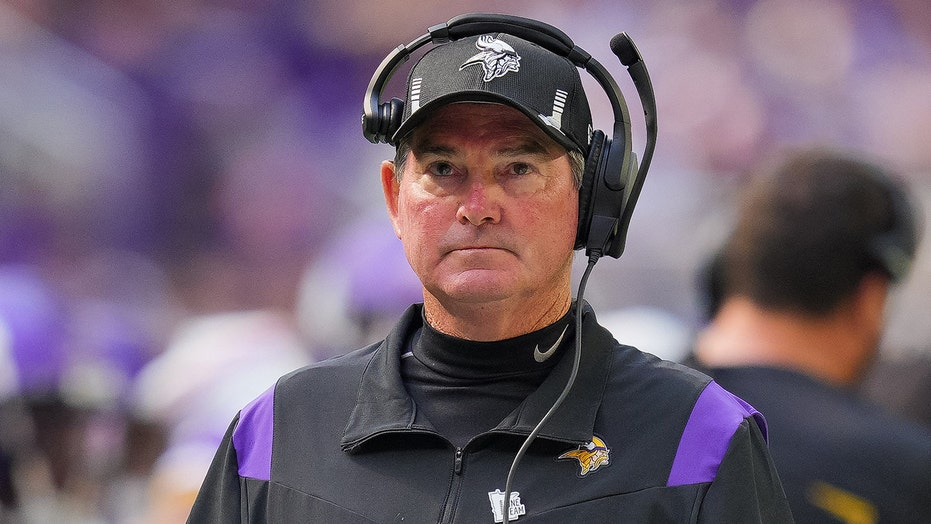 Vikings' Mike Zimmer pushes back on assertions he's on the hot seat