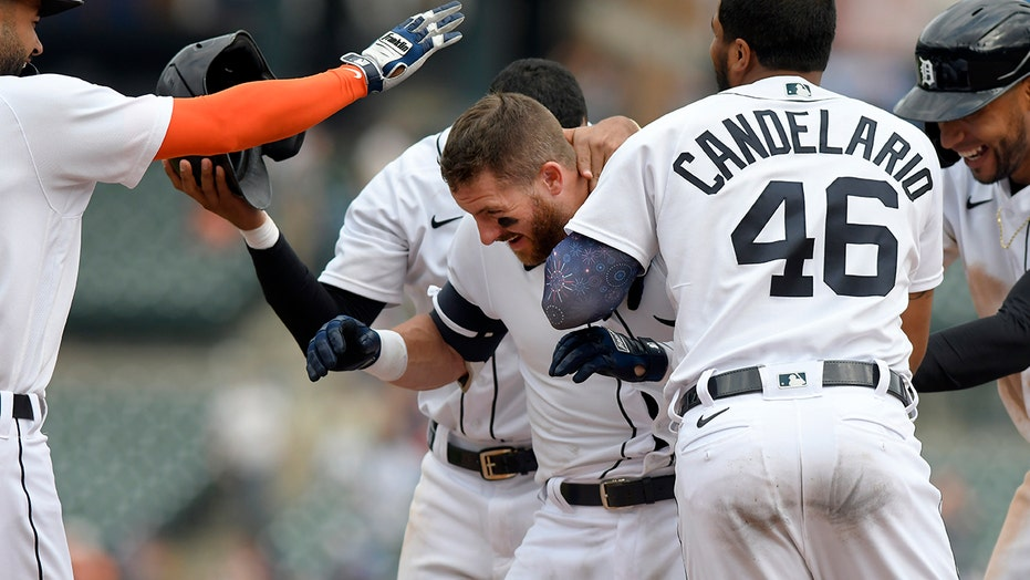 Candelario 2 homers, Tigers walk off Rays with walk in 11th