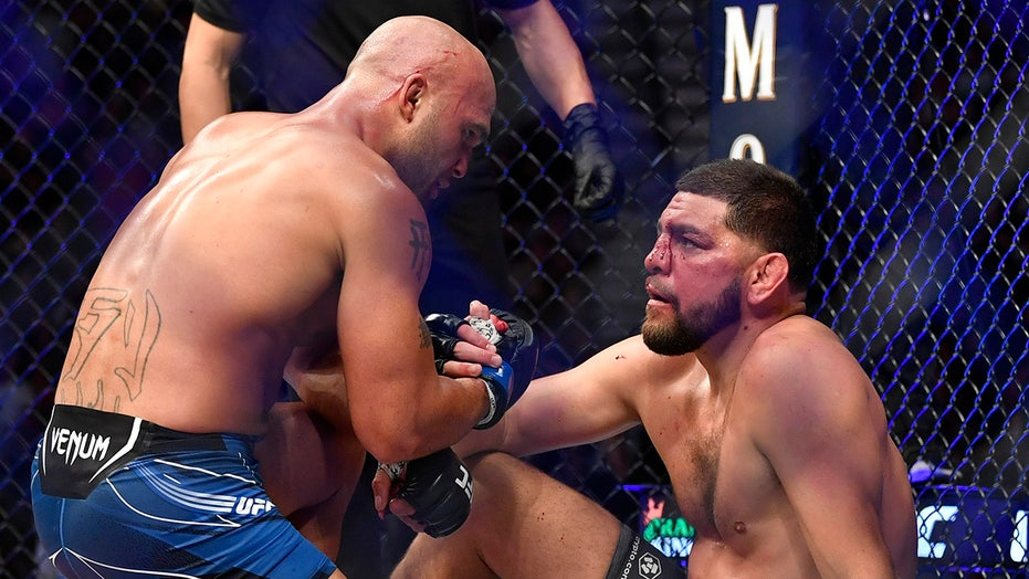 Robbie Lawler-Nick Diaz UFC 266 fight lives up to hype, ends with technical knockout