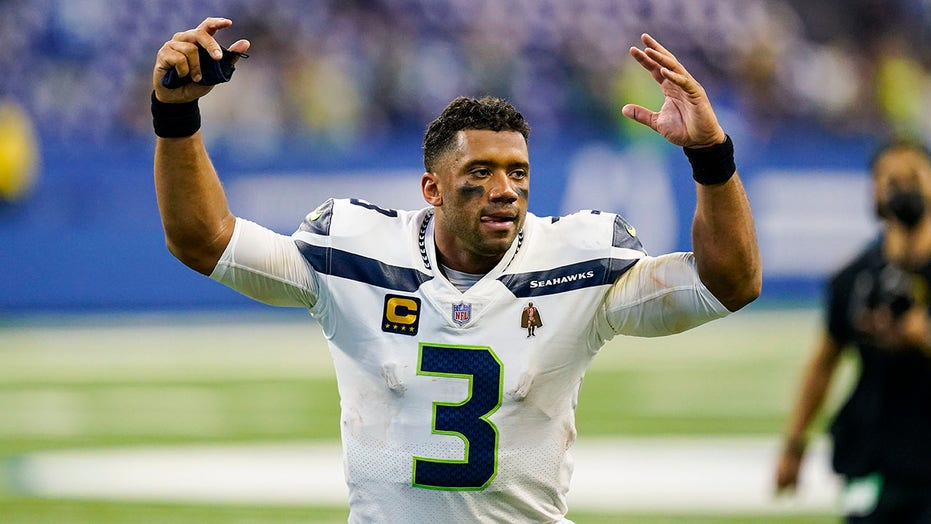 Russell Wilson floats 'crazy' overtime idea during Raiders-Ravens game