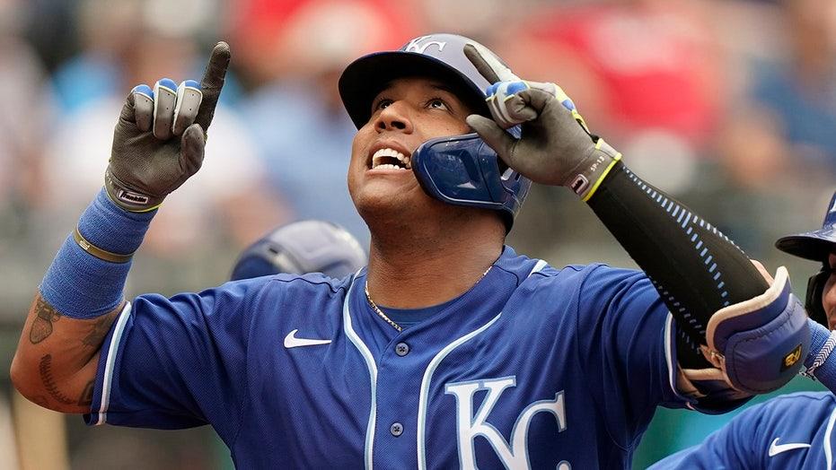 Royals' Salvador Perez, Patrick Mahomes react to record-setting homer: 'This is a dream come true'
