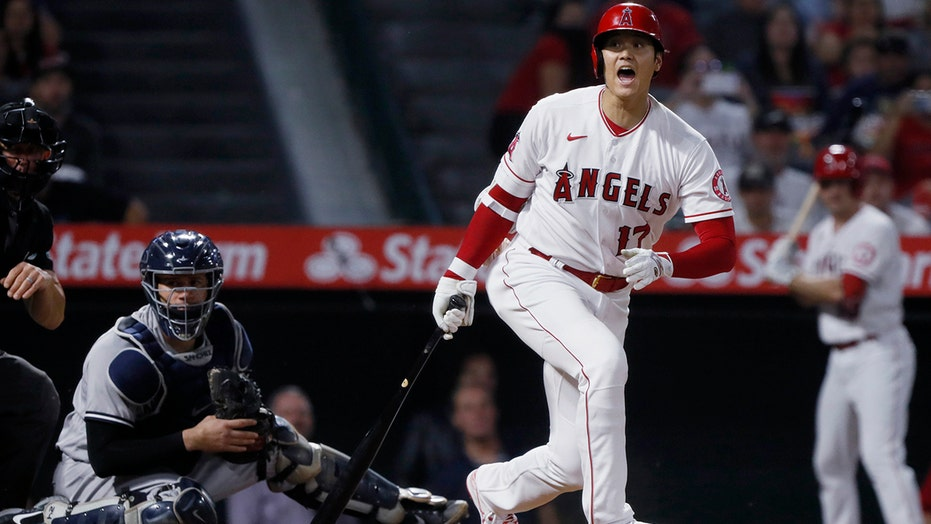 Ohtani steals home, Angels send Yankees to 4th straight loss