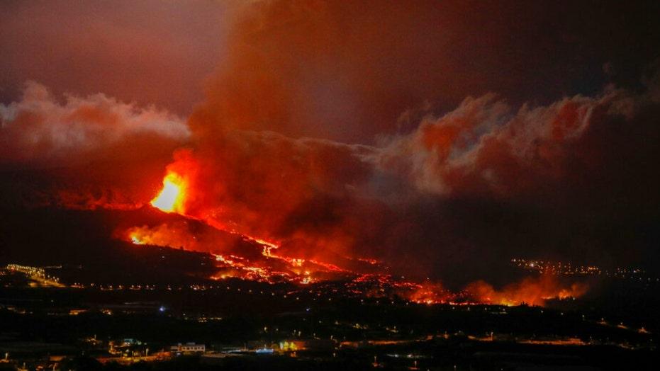 Volcano eruption: Danger not over for Spanish island residents, authorities warn