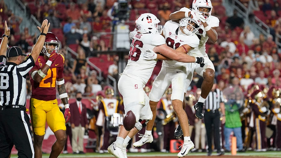 McKee leads Stanford's 42-28 upset rout of No. 14 USC