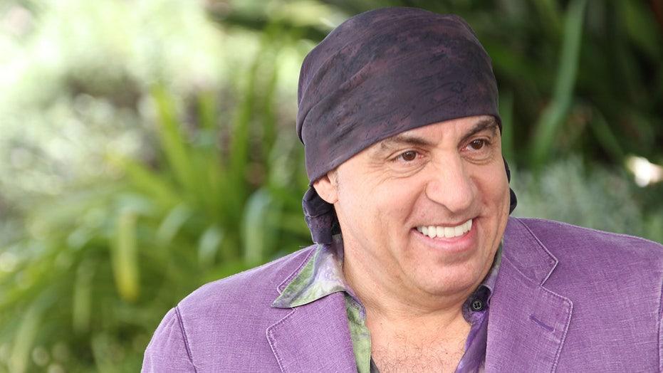 Steven Van Zandt recalls landing 'The Sopranos' lead before James Gandolfini: 'Wiser heads prevailed'