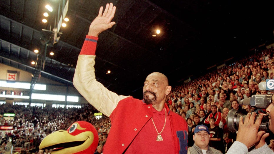 Wilt Chamberlain only feared this one player, Julius Erving says