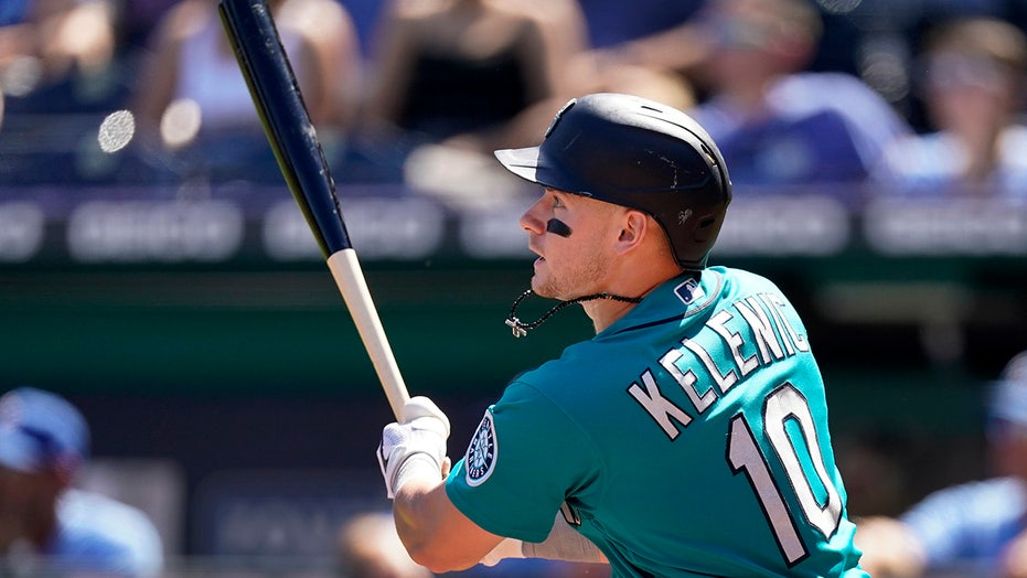 Kelenic HR, 2 doubles lead Mariners over Royals 7-1