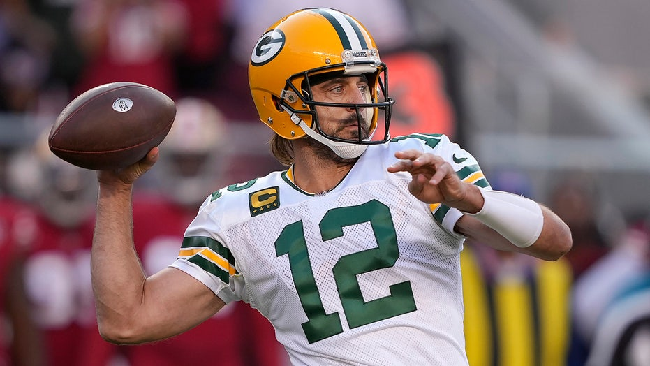 Aaron Rodgers leads Packers to thrilling victory over 49ers