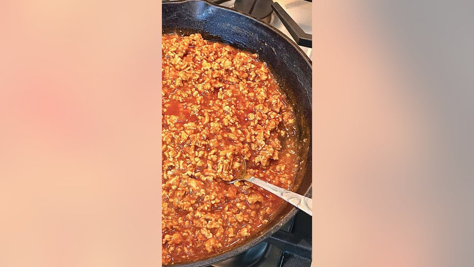 Easy hot dog chili for NFL football Sunday: Try the recipe