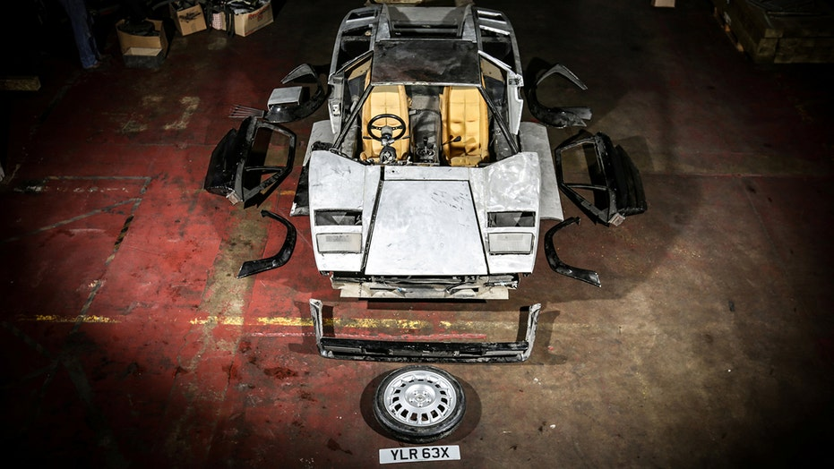 Lamborghini Countach left disassembled for 13 years worth $250,000