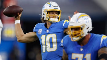 Chargers hand Raiders first loss of season behind Justin Herbert's 3 touchdowns