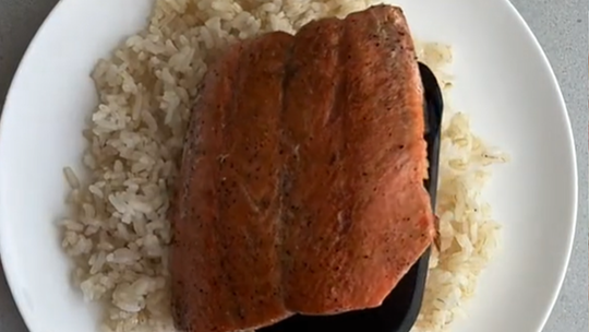 Salmon rice bowls have taken over TikTok: Try the recipe