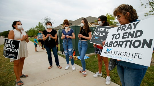 5th Circuit Court grants a stay, allows Texas abortion bill to go into effect