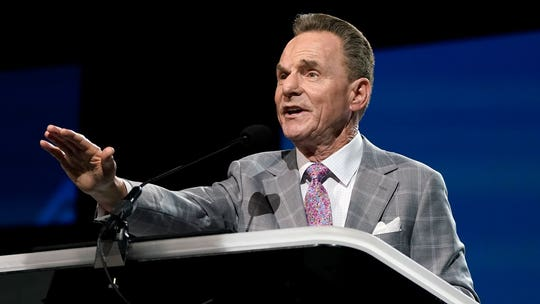 Southern Baptist leader resigns amid abuse review division