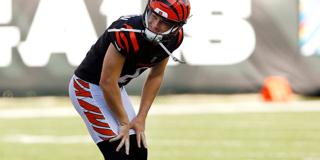 Cincinnati Bengals kicker Evan McPherson (2)reacts to missing the kick during the fourth quarter against the Green Bay Packers in overtime at Paul Brown Stadium.