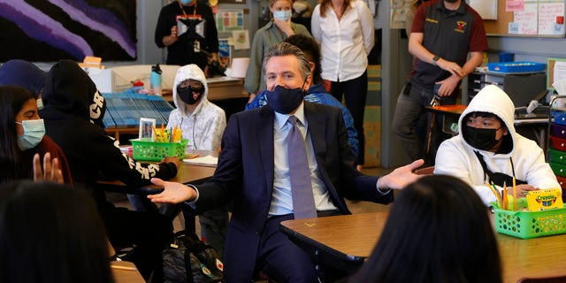 California Gov. Gavin Newsom talks with 7th grade students at James Denman Middle School on October 01, 2021 in San Francisco, California. California Gov. (Photo by Justin Sullivan/Getty Images)