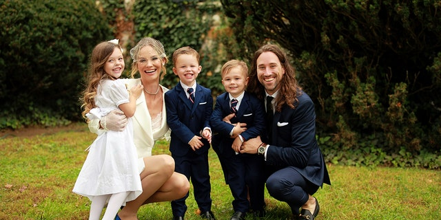 King and Owens with her three children: daughter Aspen and sons Hart and Hayes.