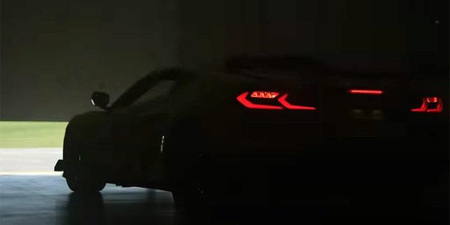 Se proporcionará una versión centrada en la pista del Z06 con grandes alas generadoras de carga aerodinámica.