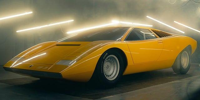 Lamborghini has built a replica of the original Countach LP 500 concept car to celebrate the model's 50th anniversary.
