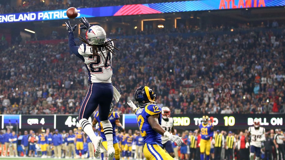 Panthers acquire Stephon Gilmore from Patriots in exchange for draft pick