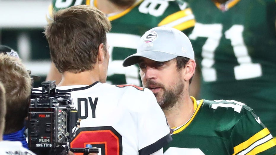 Tom Brady pokes fun at Packers' Aaron Rodgers touchdown celebration: 'Now he's a shareholder of the Bears'