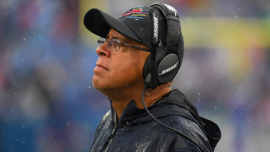 Texans' David Culley overheard ripping into coaching staff, players after blowout loss to Bills: report