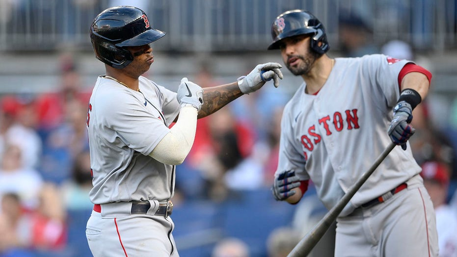 Red Sox leave Martinez off wild-card roster; Yanks add Allen