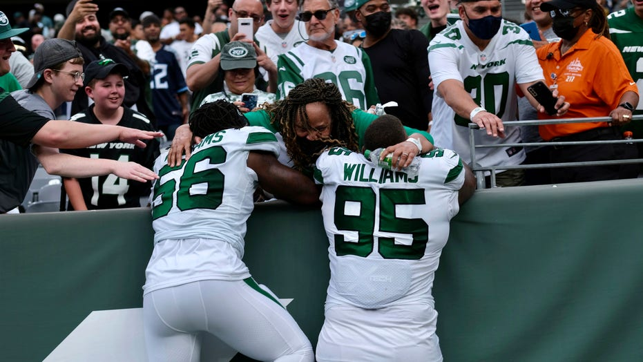 Jets' Williams brothers represent during Crucial Catch month