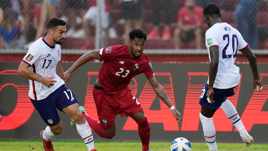 Weah, Dest spark US to 2-1 win over Costa Rica in qualifier