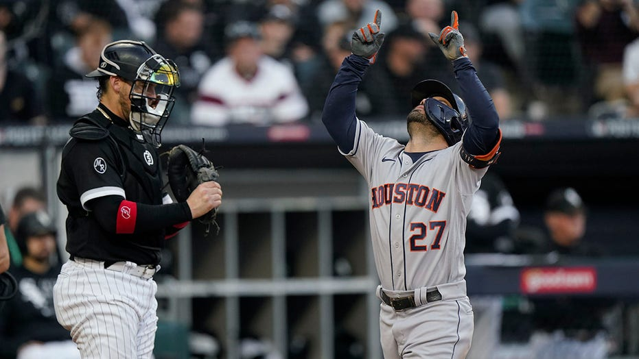 Altuve, Astros going back to ALCS after topping White Sox