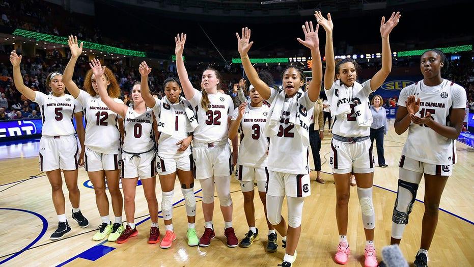 South Carolina, UConn, Stanford women top preseason Top 25
