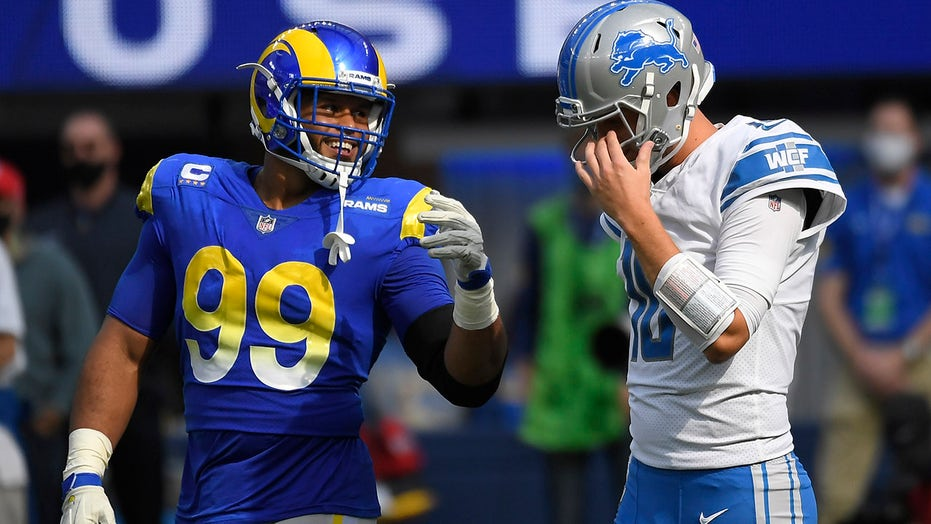 Stafford throws 3 TD passes, Rams edge Goff's Lions 28-19