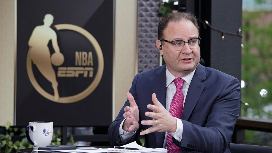 Adrian Wojnarowski brags about online stats with potential sources, badmouths fellow insider: report