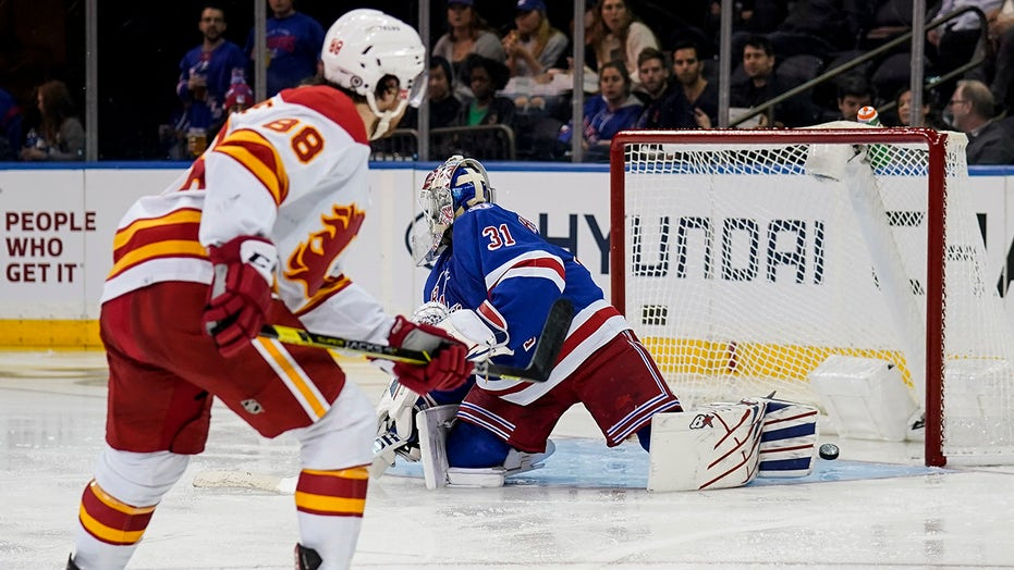 Coleman, Backlund lead Flames to 5-1 win over Rangers