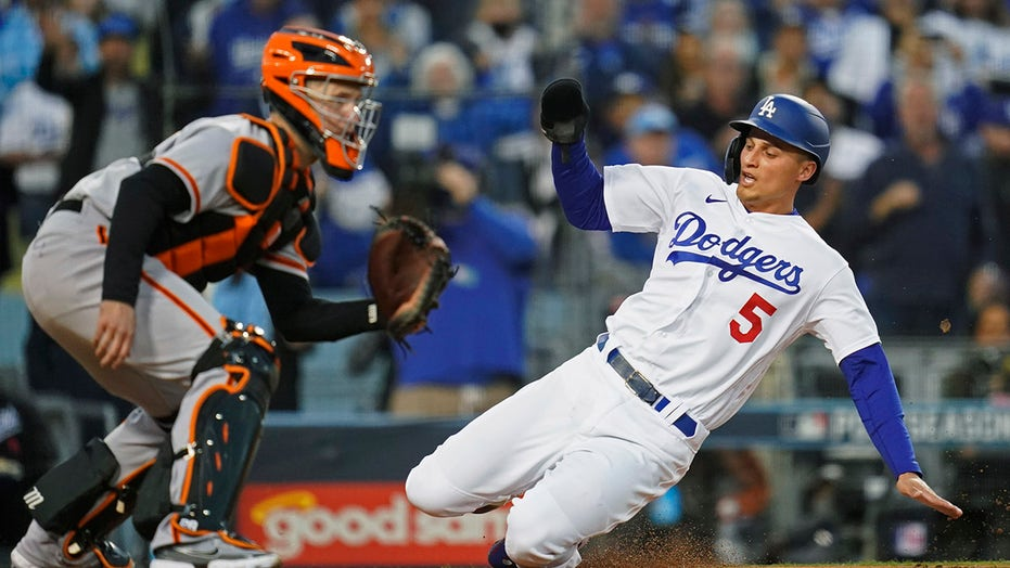 Giants-Dodgers NLDS finale 'the most important game in the history of their rivalry,' Vin Scully says