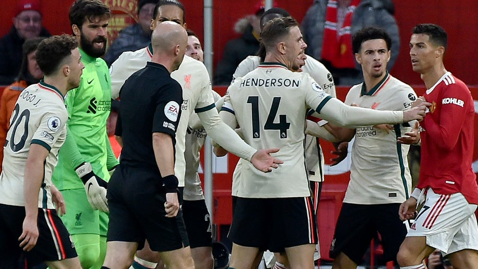 Cristiano Ronaldo involved in skirmish with Liverpool players during Manchester United loss