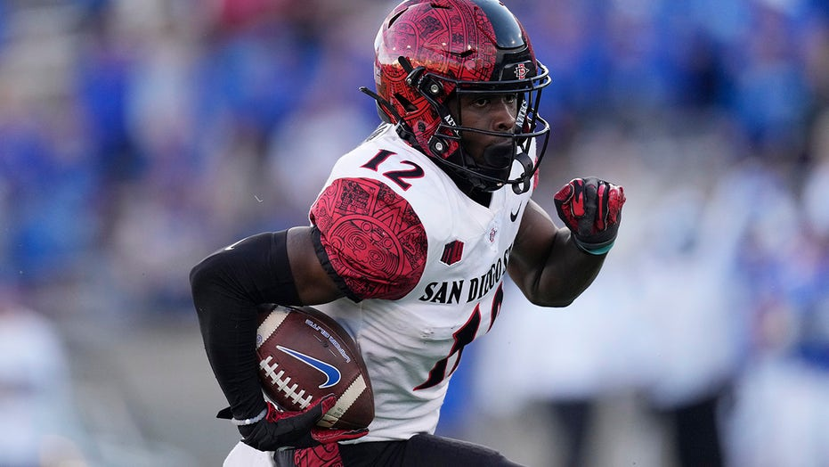 No. 22 San Diego State holds off Air Force, 20-14