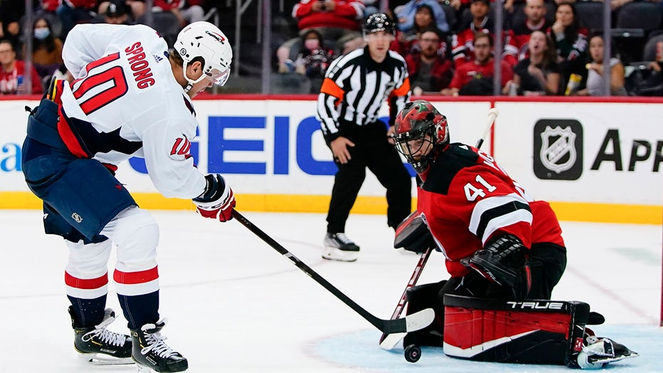 Capitals' Sprong has goal, assist in 4-1 win over Devils